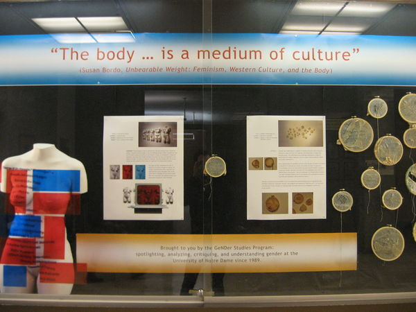 hesburgh_library_concourse_exhibit_005